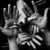 24 maggio ore 10.00. Diamoci una mano: dialoghi, tra storia, arte, musica, letteratura, medicina e linee, tocchi e vibrazioni delle mani - Webinar gratuito Per i 40 anni di Famiglia Nuova